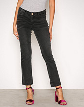 Vila Svart Vibarcher Rw 5P Microflared Jeans