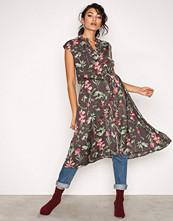 Object Collectors Item Svart Objadrianne Print S/L Dress a Pa