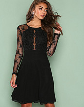 NLY One Svart Whenever Lace Dress
