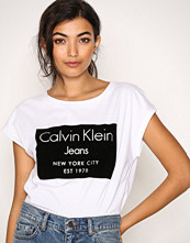 Calvin Klein Bright White Tika-22 Cn Lwk S/S