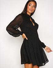 Vero Moda Svart Vmmila L/S Short Dress Ga