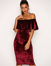 NLY One Vinrød Frill Crush Velvet Dress