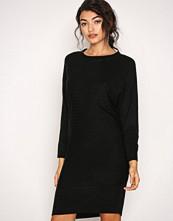 Jacqueline de Yong Svart Jdyblues L/S Dress Knt Sky