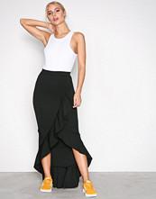 Missguided Black Scuba Ruffle Maxi Skirt