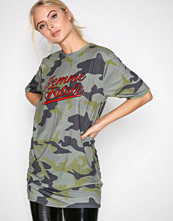 Missguided Green Camo Graphic T-shirt