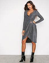Glamorous Sølv Wrap Long Sleeve Dress