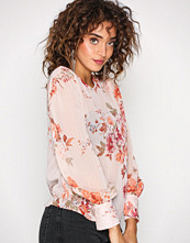 New Look Pink Floral Print Blouse
