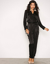 NLY Trend Svart Perfect Wrap Jumpsuit