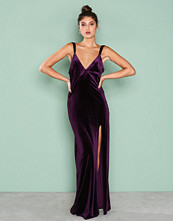 NLY Eve Lilla Velvet Dream Gown