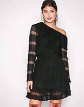 Missguided Black Lace One Shoulder Dress