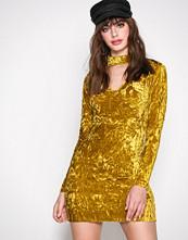 Glamorous Yellow Long Sleeve Choker Dress