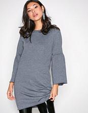 Jacqueline de Yong Mørk blå Jdyprove L/S Wide Sl Sweat Dress Sw