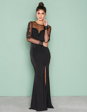 NLY Eve Svart Deep Heart Mesh Gown