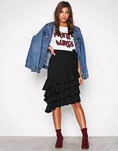 NLY Trend Svart High Low Skirt