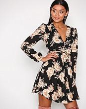 Glamorous Black Flower Long Sleeve Flounce Dress