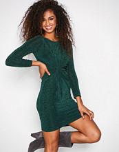 Sisters Point Grønn Cipo Dress