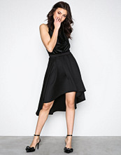 NLY One Svart Pleated High Low Skirt