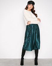 NLY Trend Emerald Green Pleated Skirt