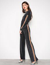 NLY Trend Svart Sporty Lurex Stripe Set