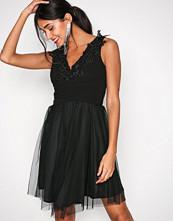 Sisters Point Black Nine Dress