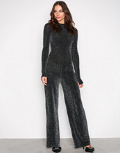 NLY Trend Svart Sparkling Polo Jumpsuit