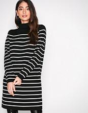 Jacqueline de Yong Svart Jdyadele L/S Highneck Dress Knt