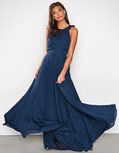NLY Eve Navy Pleated Frill Gown