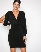 NLY One Svart Split Sleeve Dress