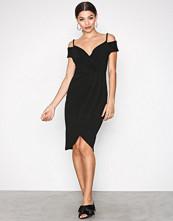 Ax Paris Black Cold Shoulder Dress