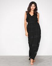 TFNC Svart Claiborne Maxi Dress