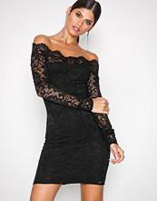 NLY One Svart Lace Off Shoulder Dress