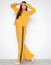 NLY Trend Mustard Stripe Sweat Set