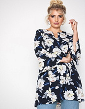 Sisters Point Navy/Floral Glans Top