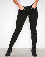 Vero Moda Svart Vmseven Nw Ss Ankle Raw Edge Black