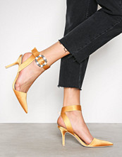 NLY Shoes Gul Buckle Heel Pump
