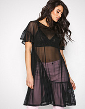 NLY Trend Svart Cute Mesh Flounce Dress
