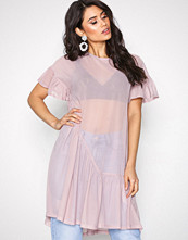 NLY Trend Rosa Cute Mesh Flounce Dress