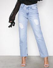 NLY Trend Light Blue Denim Cheeky Fit Straight Leg Denim