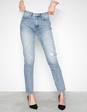NLY Trend Mid Blue Cheeky Fit Denim