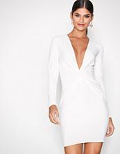 NLY One Hvit Twist Waist Dress