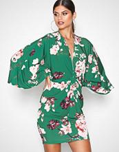 NLY One Grønn Kimono Print Dress