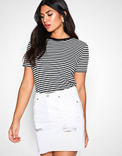 NLY Trend Hvit Destroy Mini Denim Skirt