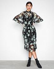 Y.a.s Svart Yashamilla Dress