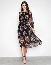 New Look Black Shirr Midi Dress