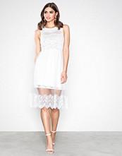Dry Lake White Cindy Dress