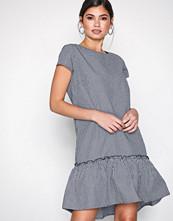 Jacqueline de Yong Svart Jdyboost S/S Dress Wvn