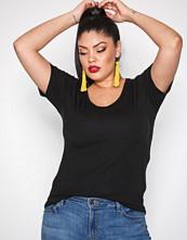 New Look Black Scoop Neck T-Shirt