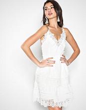 Dry Lake White Diana Dress