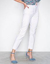 NLY Trend Hvit Cheeky Fit Straight Leg Denim