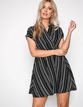 Vero Moda Svart Vmlaura Ss Dress